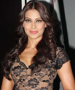 Bipasha Basu – London Fashion event's Showstopper