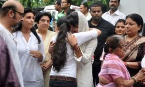 Priyanka bids farewell to her father