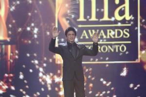 SRK & Shahid to host IIFA