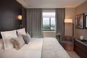 Jumeirah Knightsbridge Stylish Suites & Shopping