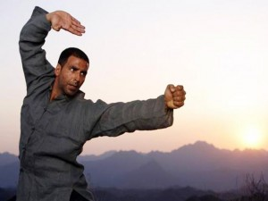 Akshay launches self-defence classes for women