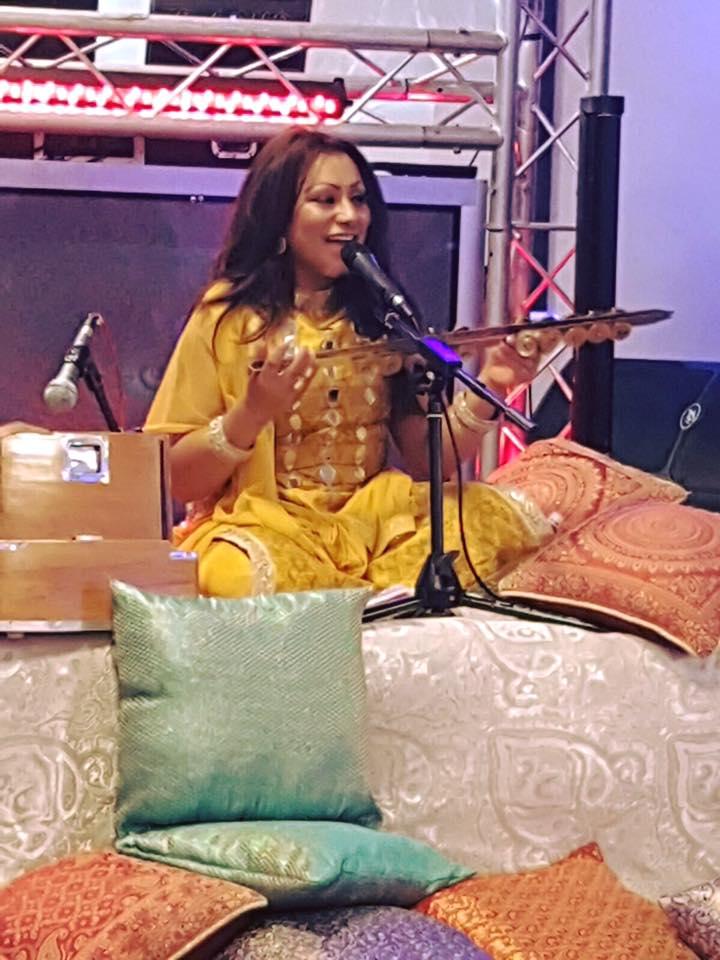Singer Reena Kaur launches sangeet book