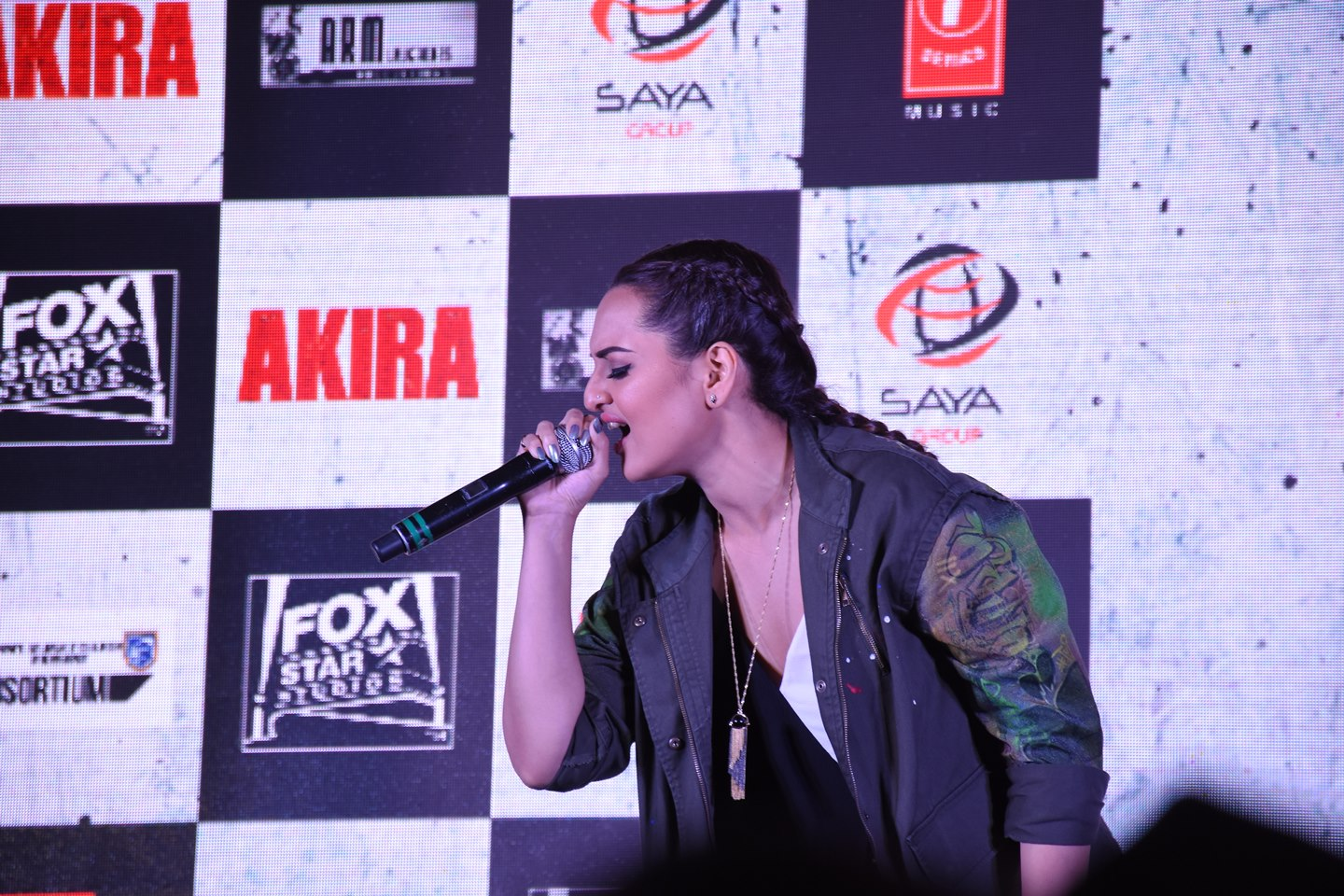 Sonakshi Sinha turns to singing